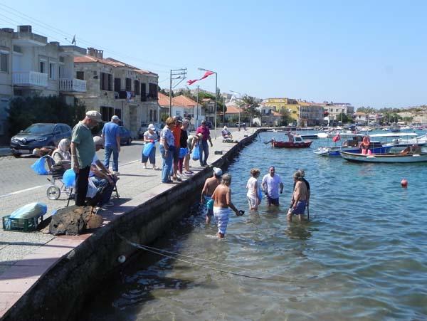 İzmir'de denizden çıkanlar 'bu kadar da olmaz' dedirtti!