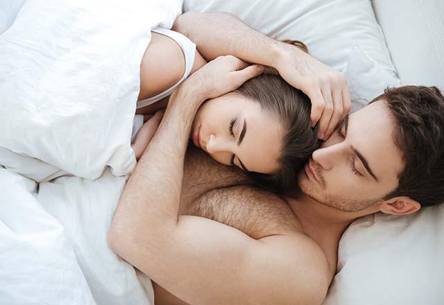 Partneriniz ile birlikte uyumanın faydaları