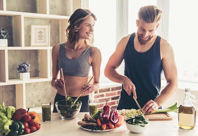 Sevgiliyle evde iyi vakit geçirmek için öneriler