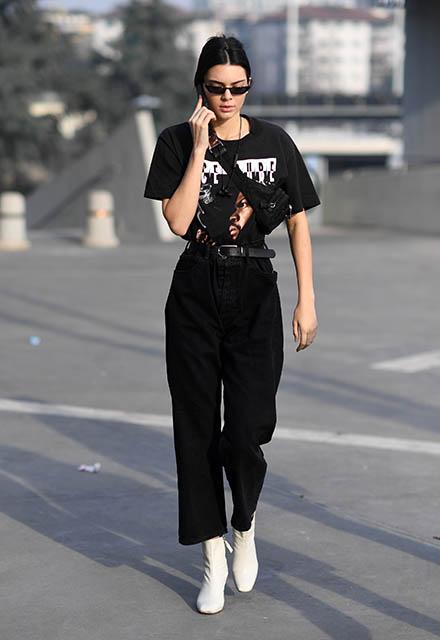 Siyah pantolon nasıl kombinlenir?