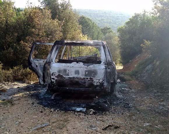 İzmir'de babalarını öldürdükten sonra kolonya ile yaktılar