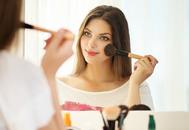 Yüz şeklinize göre nasıl makyaj yapmalısınız?