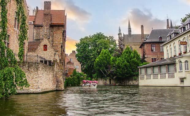 Avrupa'da kanallar üzerine kurulu 8 kent