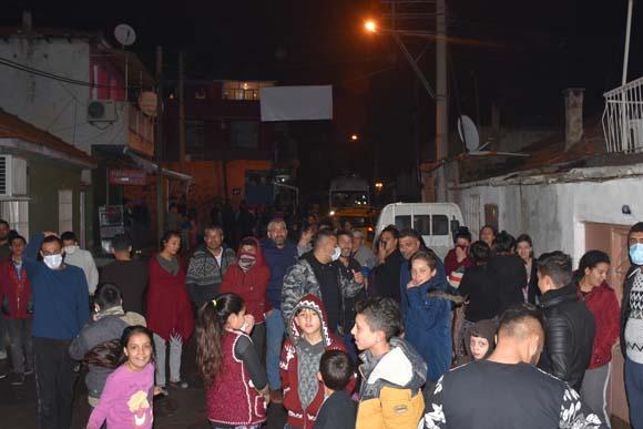 İzmir'de korkutan olay! Halk sokağa döküldü, işte nedeni...
