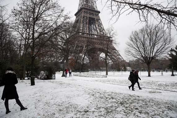Paris'ten kar manzaraları