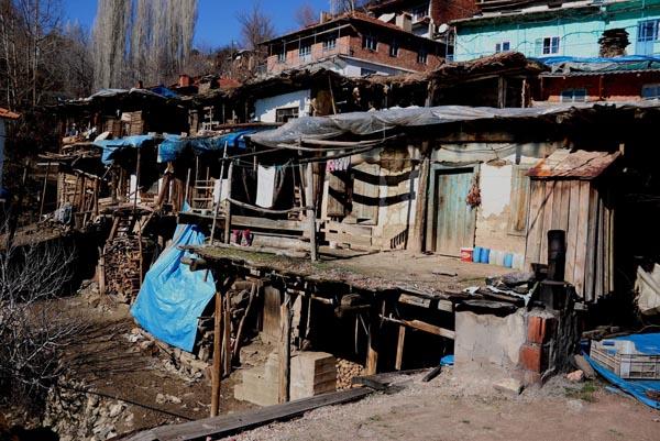 İç içe 35 ev! Burası Nepal değil Kargınışıklar