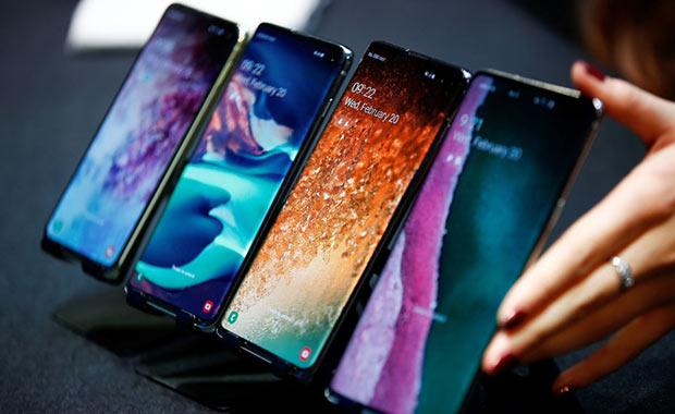 Samsung'dan Galaxy Fold için ücretsiz ekran müjdesi