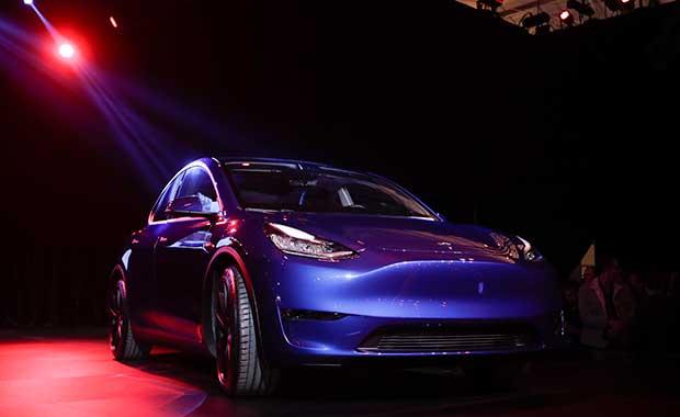 Tesla Model Y resmen tanıtıldı! İşte fiyatı ve özellikleri