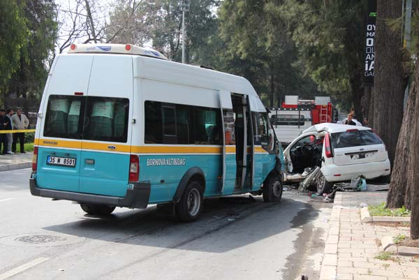 İzmir'de feci kaza! Ölü ve çok sayıda yaralı var