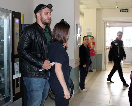 Hastane koridorunda kan donduran görüntü