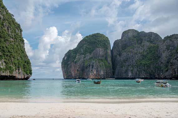 Tayland'ta dünyaca ünlü plaj kapatılıyor