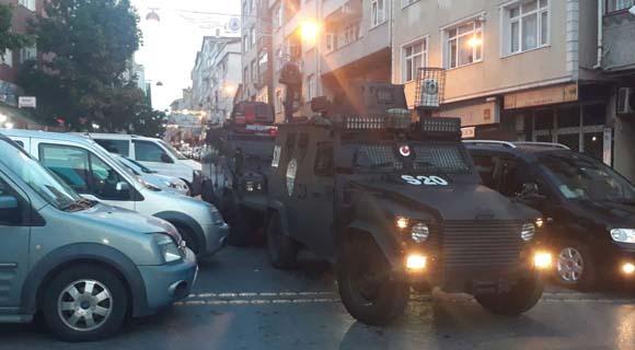 İstanbul'da silahlı saldırı! Geldi, ateş etti ve gitti... Yaralılar var...
