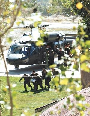 Yaralı askerler böyle taşındı