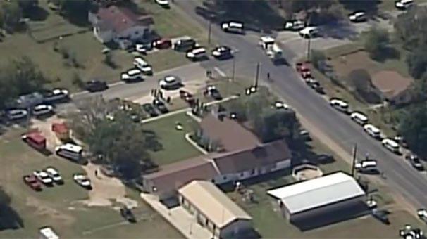 Texasın baptist kilsəsində naməlum şəxs atəş açıb, 27 nəfər ölüb