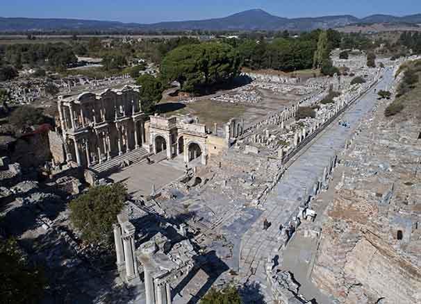 Efes Antik Kenti Hakkında Bilmeniz Gerekenler