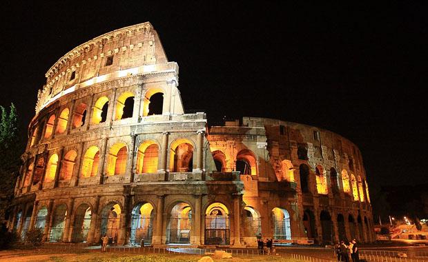 Kolezyum, İtalya - Dünyanın Yedi Harikası