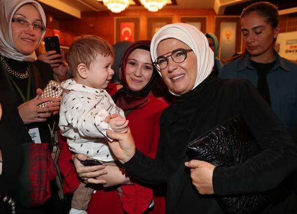 Emine Erdoğan AK Partili kadınlarla bir araya geldi 21