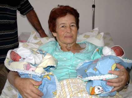 Hakkinda 58 yaşında ikiz bebek annesi oldu ile ilgili bilgiler