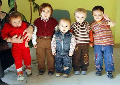 Bu beş çocuk büyüyemiyor