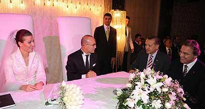 Maliye Bakanı Mehmet Şimşek evlendi