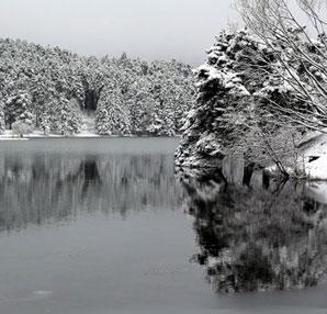 Abant Gölü'nden muhteşem kar manzaraları