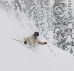 Snowboard yaparken çığa sebep oldu