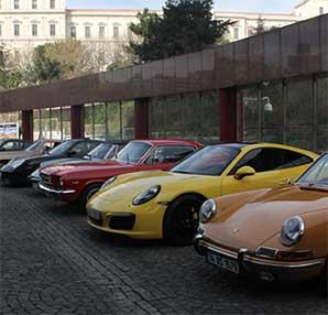 Klasik otomobil tutkunları bir araya geldi!