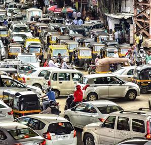 Hindistan sürücüsüz otomobilleri yasaklıyor