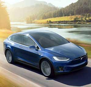 Mercedes'in ana şirketi Daimler, kiraladığı Tesla Model X'i parçaladı