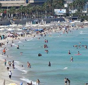 Kıyılar bayram tatilinde turistlerle doldu