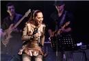 Sertab Erener MOİ Sahne'de
