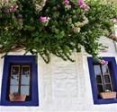Beyaz Bodrum evleri ziyaretçilerini bekliyor
