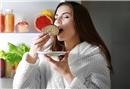 Dikkat! Gece Yeme Sendromu Obeziteye Yol Açıyor