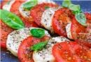 5 dakikalık mozzarellalı domatesli yaz salatası
