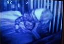 Bebek monitörüne yansıyan korkunç görüntüler