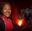 Ünlü fotoğrafçı yanardağın içine girip...