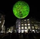 Londra sokaklarında devasa balonlar