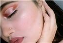 Göz makyajında yeni trend: Nude eyelıner