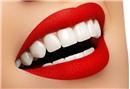 Kırmızı ruj dişleri beyaz gösterir mi?