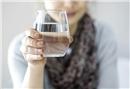Az su tüketmek halüsinasyon ve bilinç bulanıklığına sebep olabilir