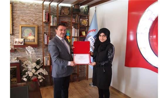 TÜBİTAK Türkiye İkincisi Öğrencilerinden Yıldız'a Ziyaret ile ilgili görsel sonucu