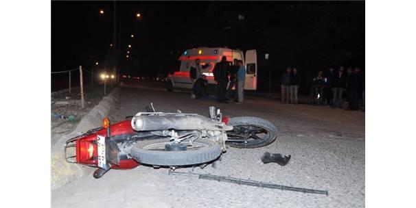 ORTACA'DA MOTOR KAZASI; 2 YARALI