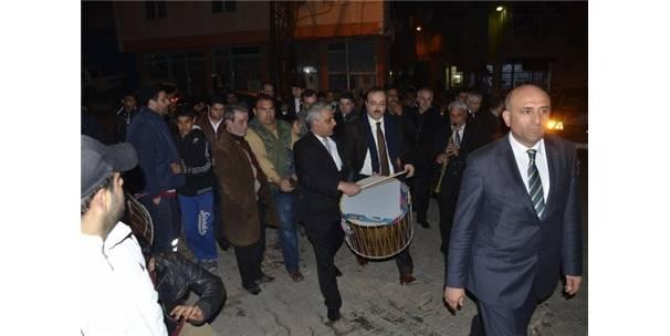 AK PARTİ'NİN TEKİRDAĞ ADAYLARINDAN ROMAN VATANDAŞLARA ZİYARET