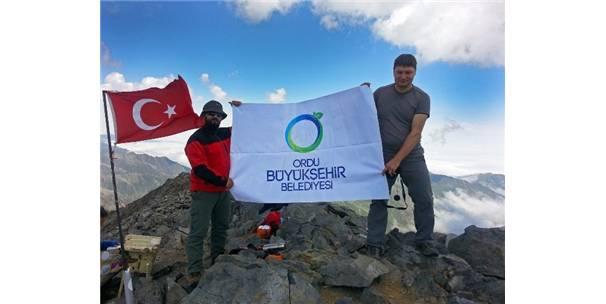 4 bin metrede Ordu bayrağı