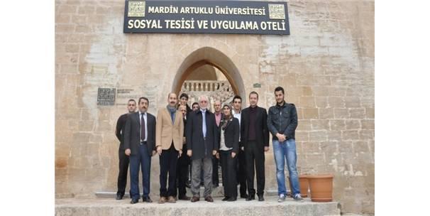 Öğrenciler Rektör Ağırakça'dan tam not aldı