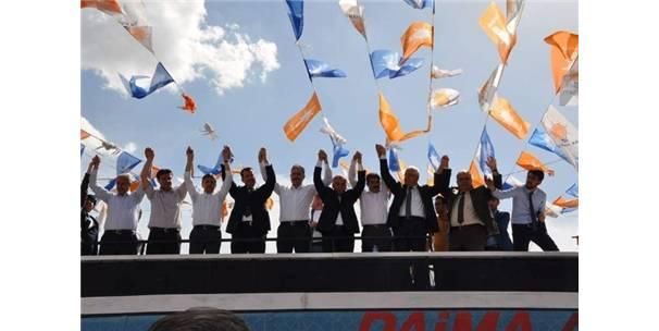 Besni Belediye Başkanı Öztürk, Ak Parti'ye katıldı
