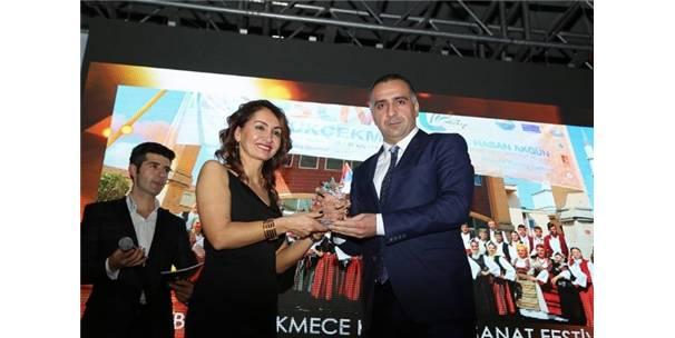 """""""EN BAŞARILI FESTİVAL ÖDÜLÜ"""" BÜYÜKÇEKMECE'NİN OLDU"""