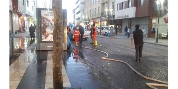 Sur'un ana caddeleri deterjanlarla yıkandı-Diyarbakır Haberleri