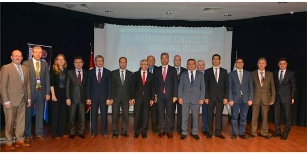 ÇOMÜ'DE 8. ULUSLARARASI EĞİTİM ARAŞTIRMALARI KONGRESİ