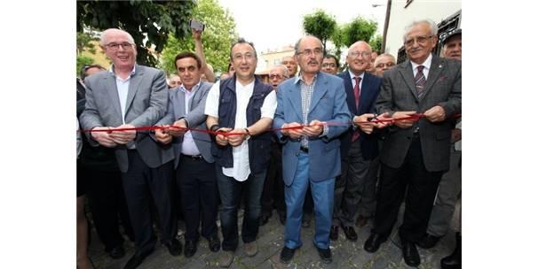 TÜRKİYE'NİN İLK DAKTİLO MÜZESİ ODUNPAZARI'NDA